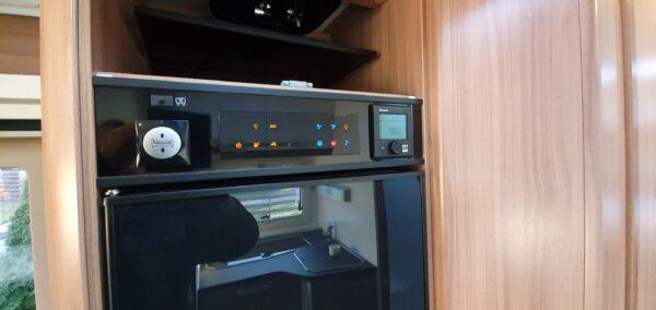 matkaauto juhtimise süsteem tv kapp