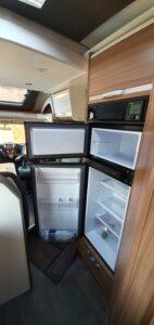 matkaauto külmutuskapp