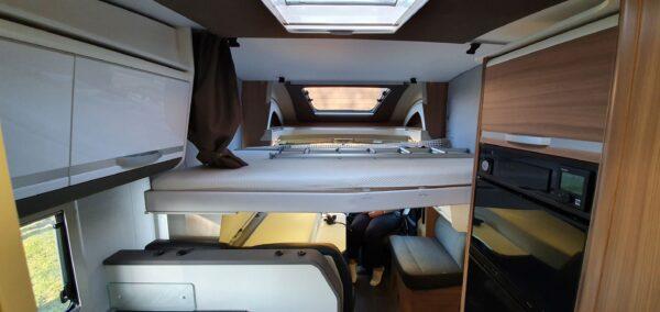 matkaauto laest allalastav voodi